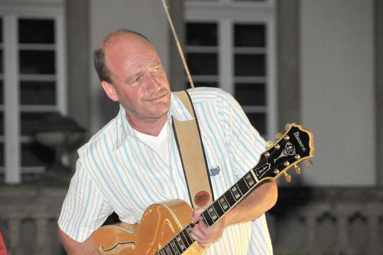 Samstag, 25 Juli 2009 SOMMERJAZZQUARTETT:Rolf Plaueln